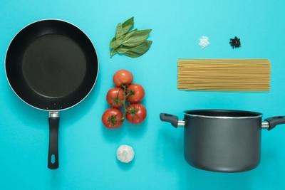 一人暮らしにおすすめの調理器具とは?選び方や優先順位も解説!