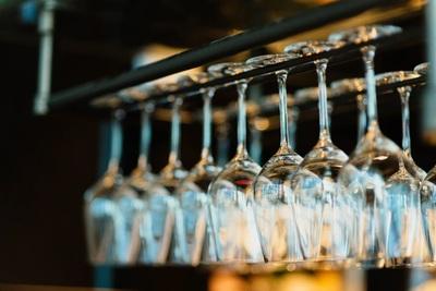 ワイングラスホルダーを使ってみよう!選び方や注意点もあわせて紹介!