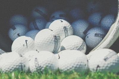 人気があるゴルフボールを選ぼう!選び方やボールの種類を解説!