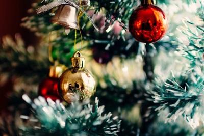 おすすめのクリスマスツリーとは?自宅に合った選び方や種類について解説!