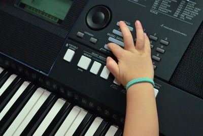 バンド初心者におすすめのキーボードは?練習や曲、聴くべきバンドなど