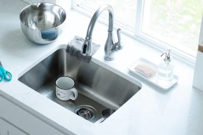 キッチンにはどの水切りグッズを置く?種類やカゴ以外のアイテムを紹介!
