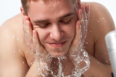 バルクオムの洗顔料の効果・使い方を美容のプロが解説!