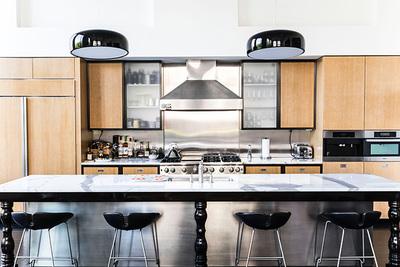 キッチン照明をおしゃれに!色・明るさの違いと失敗しない選び方