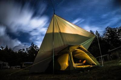 キャンプで使えるベッドの選び方とおすすめのキャンプ用ベッド10選