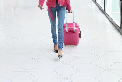 女性に人気のかわいいスーツケースブランド&人気色、シーン別おすすめ29選