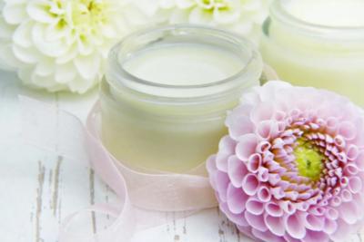 乾燥肌を解消するベストクリームは?顔やボディに使える人気商品10選