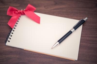 プレゼントにおすすめのペン13選!書きやすいペンは?男性向け・女性向けも紹介