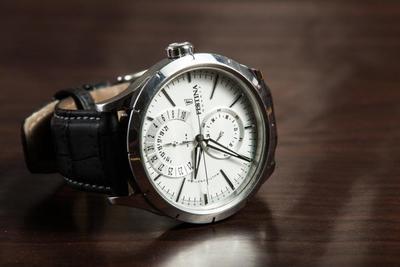 時計の選び方やおすすめ10選を紹介!お気に入りの1台見つけよう