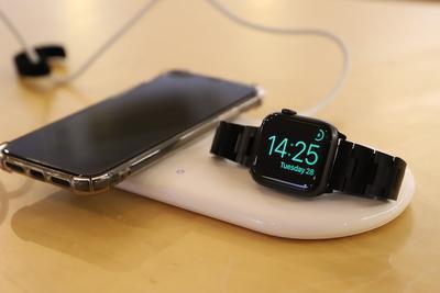 ワイヤレス充電って本当に便利?Anker PowerWave+ Pad with Watch Holderを徹底レビュー!