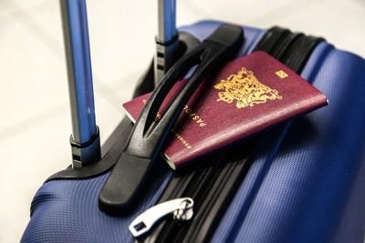 海外旅行に必要なものは?予約時から機内持ち込み、必需品まで