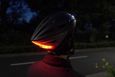 サイクリングを安全に楽しめる!「Lumos helmet」【半歩未来のライフスタイル】