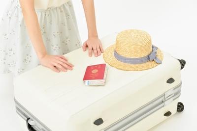 女性の海外旅行に必要な持ち物は季節や行先の服装で決まる!